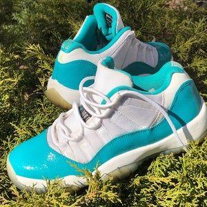 Nike Air Jordan 11 xi lows size 6Y